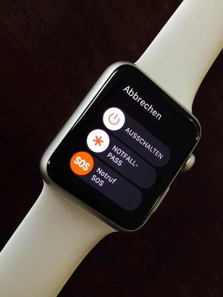 Apple iWatch Smartwatch - Benefits in Wearable Technology