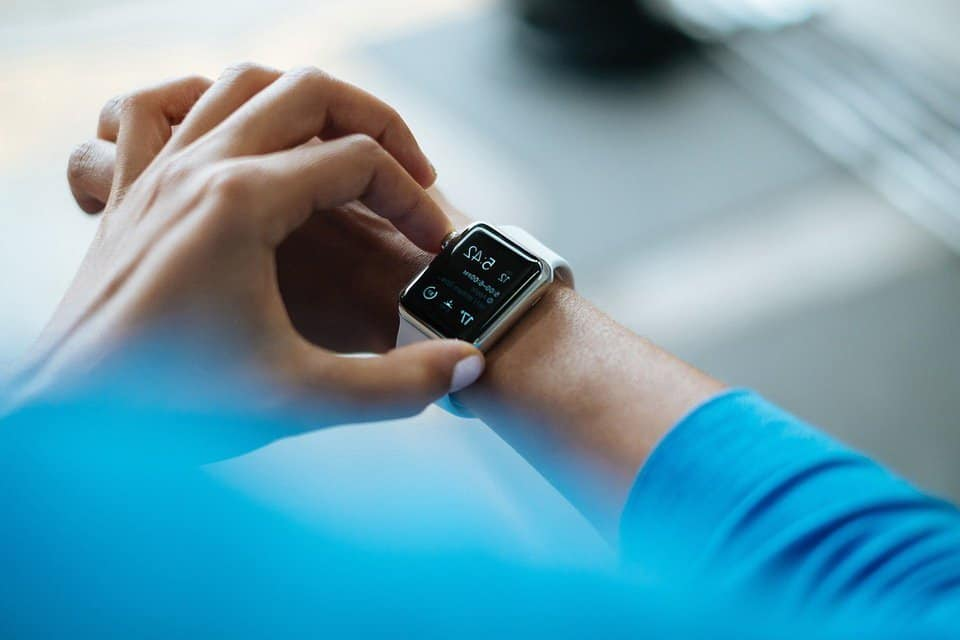 Smart Watch Apple Technology - Top 10 Fitness Trends of 2019