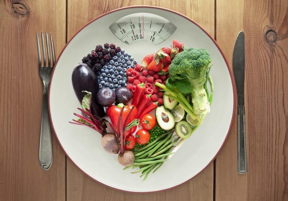 Diet concept heart shape food - What are the Best Foods for Weight Loss