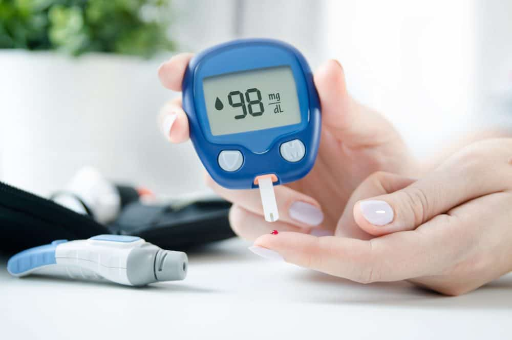 checking blood sugar level - The beginners guide to Keto