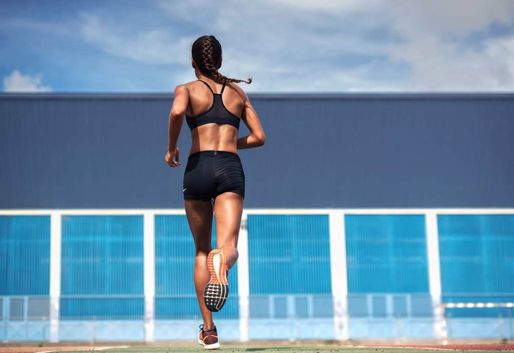 Running woman - How to avoid the risks of Running as a beginner and boost your body