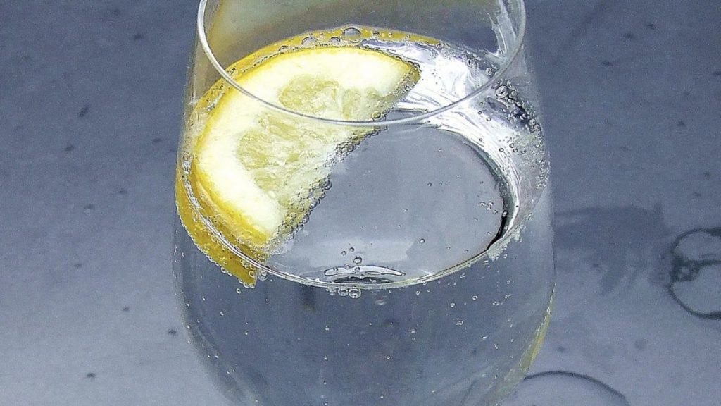 Sparkling or Still Water for Stomach Upset and Constipation?