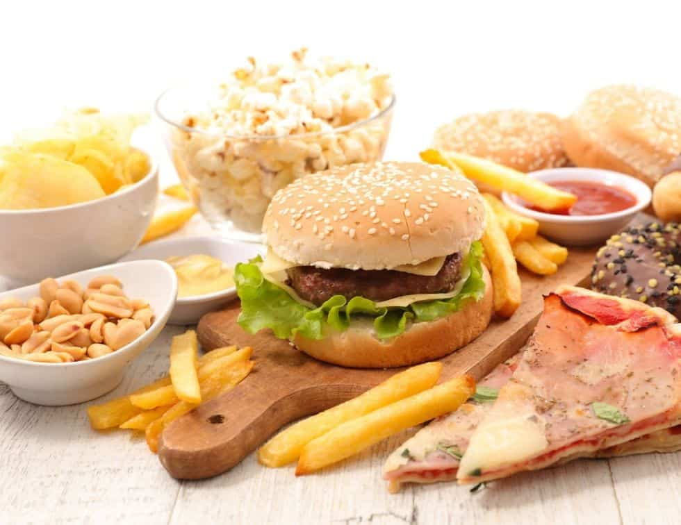 Foods to avoid to lose weight faster - Junk Foods (1)