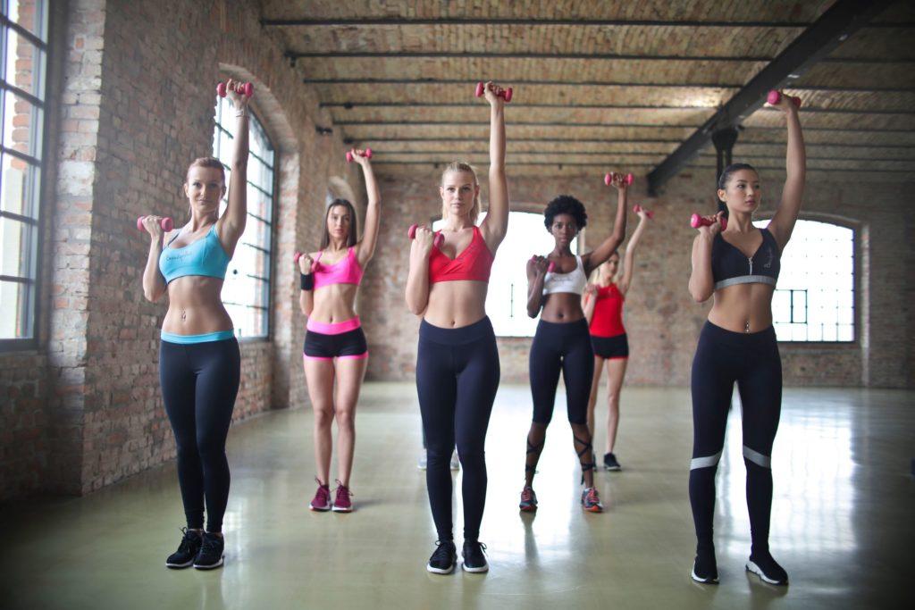Women exercising in HIIT