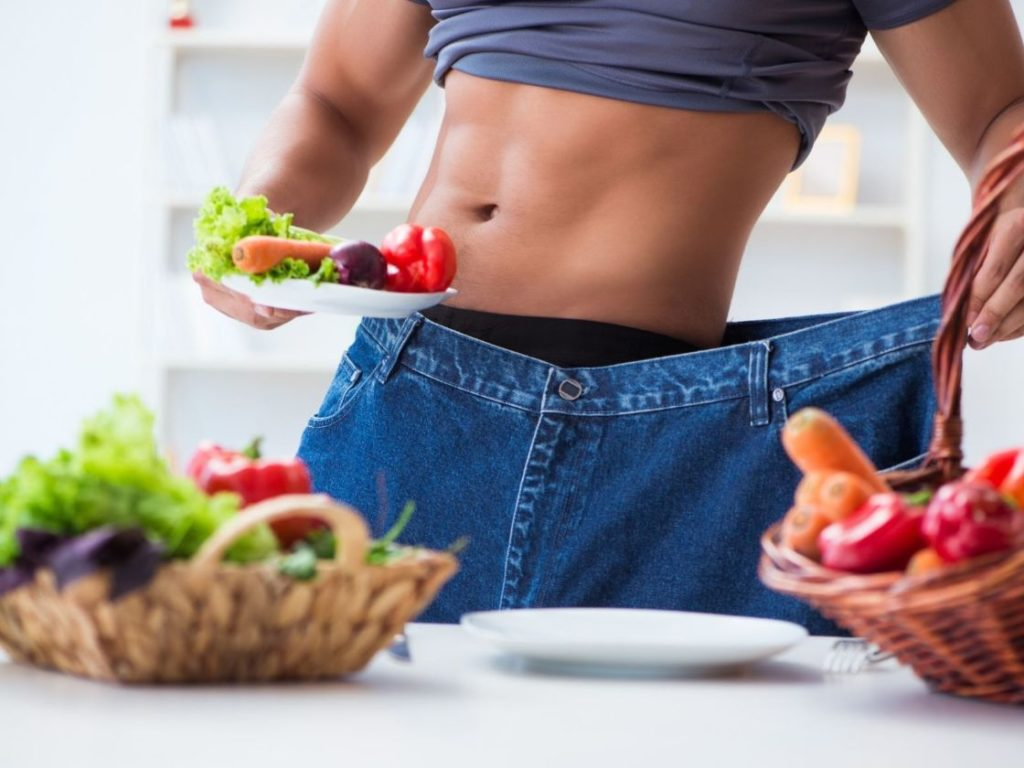 Dieting is one of the 10 Signs You Eat Few Calories and Don't Lose weight