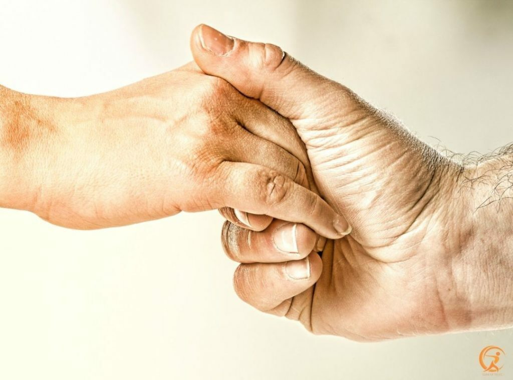 Keep in touch with others is vital if you want to lead a healthier life