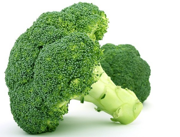 Like most high-performing green foods, broccoli is high in carotenoids - Superfoods to boost Your health