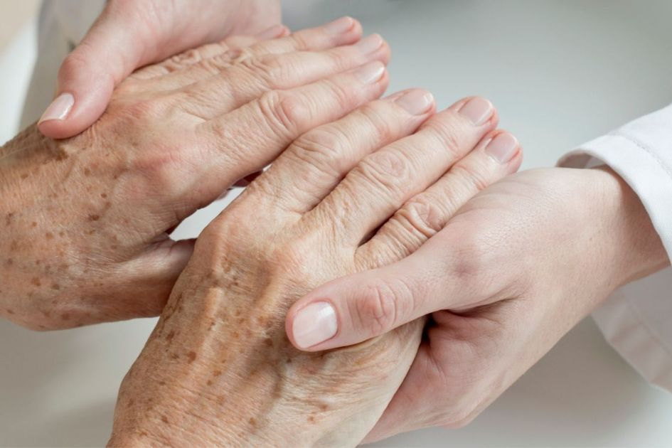 How to Use CBD Oil for Joint Pain caused by Rheumatoid Arthritis